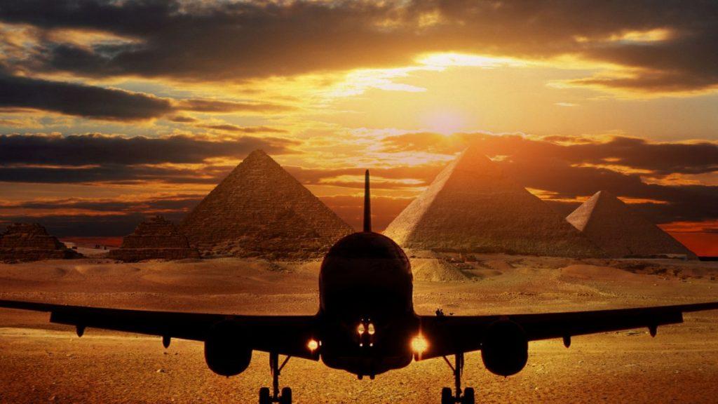 Самолет в Египте