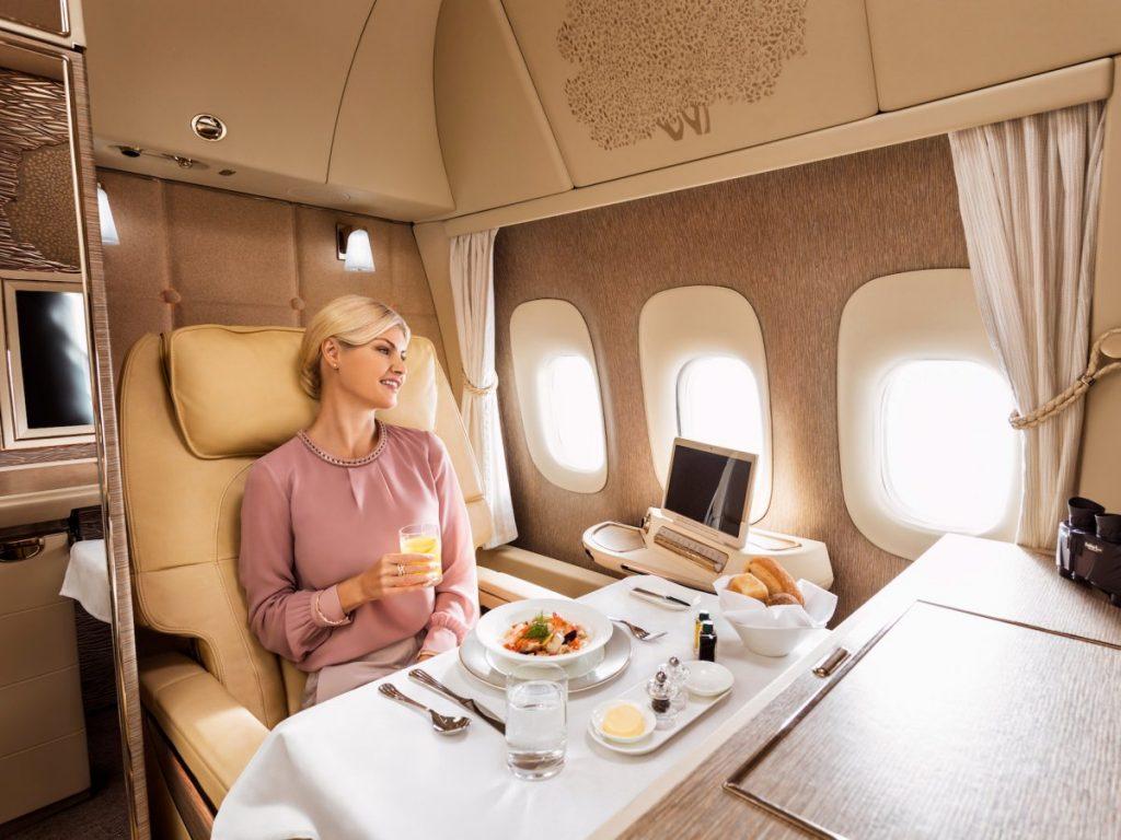 Первый класс самолет