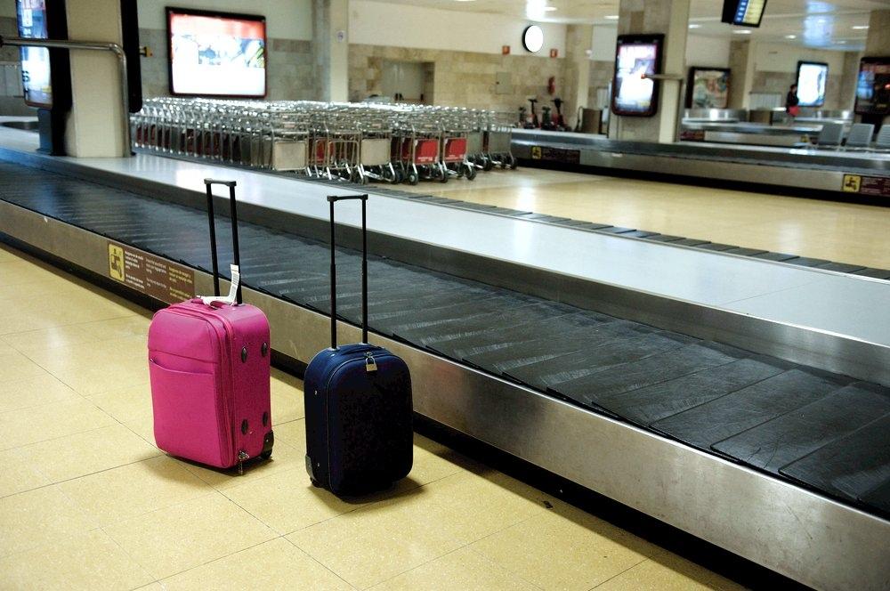 аэропорт чемоданы