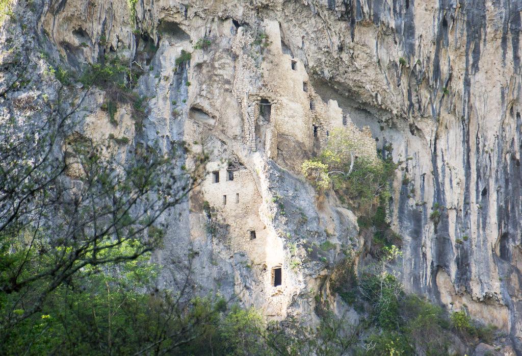 Абхазия пещерный монастырь