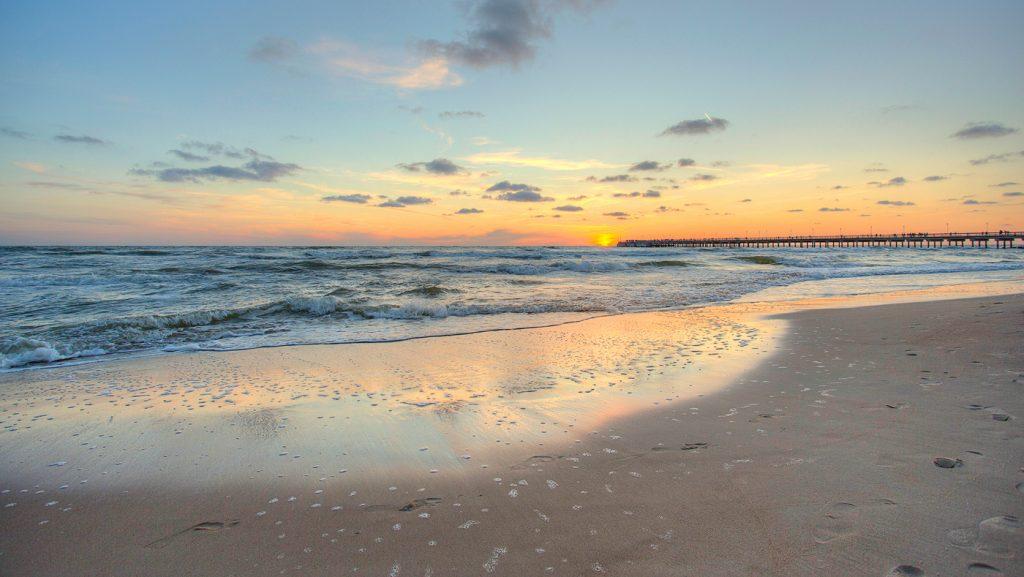 Балтийское море летом отлично подходит для пляжного отдыха