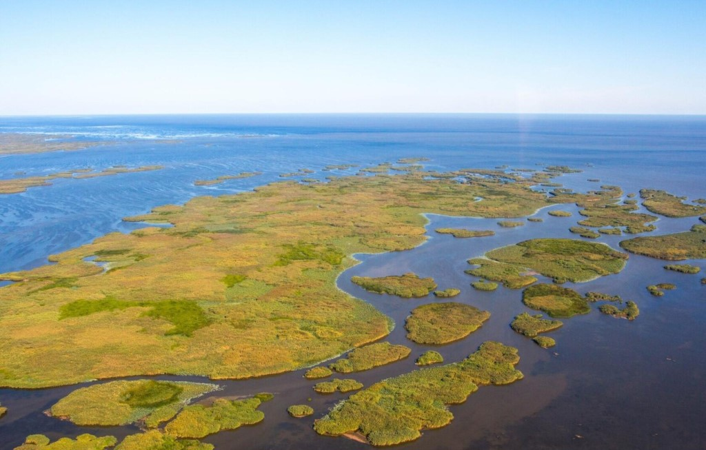 Каспийское море Волга