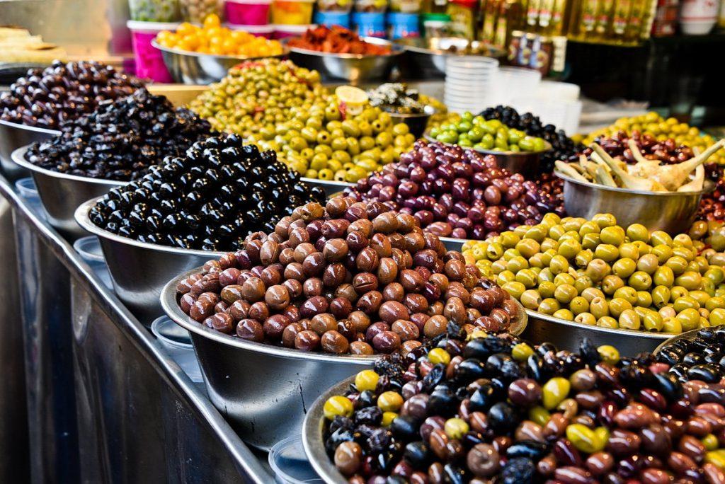 Оливки на турецком базаре