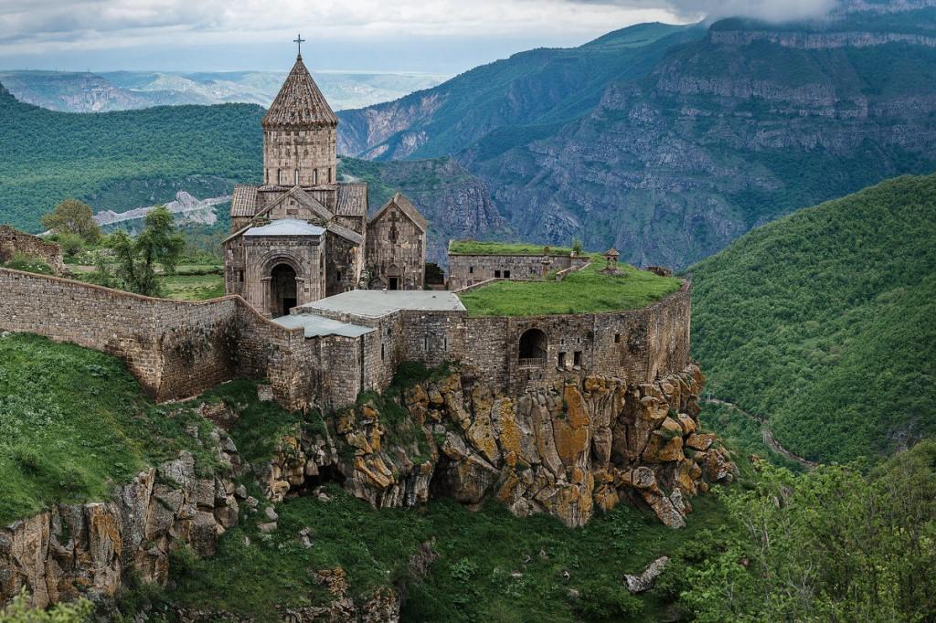 Абхазия Татев монастырь достопримечательность