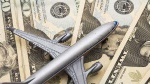 самолет деньги