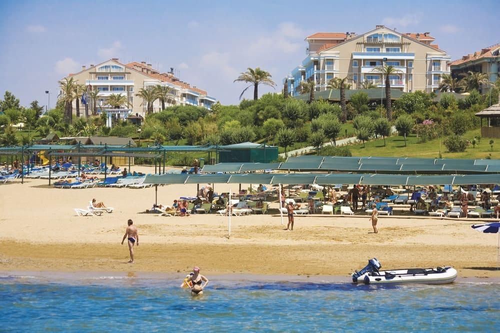 песчаный пляж Турции отель все включено