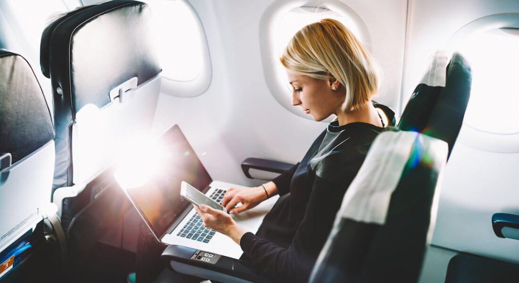 Ноутбук в самолете