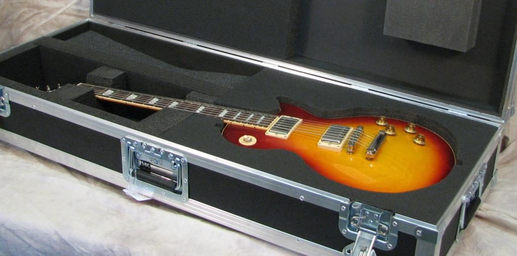 жесткий футляр для гитары