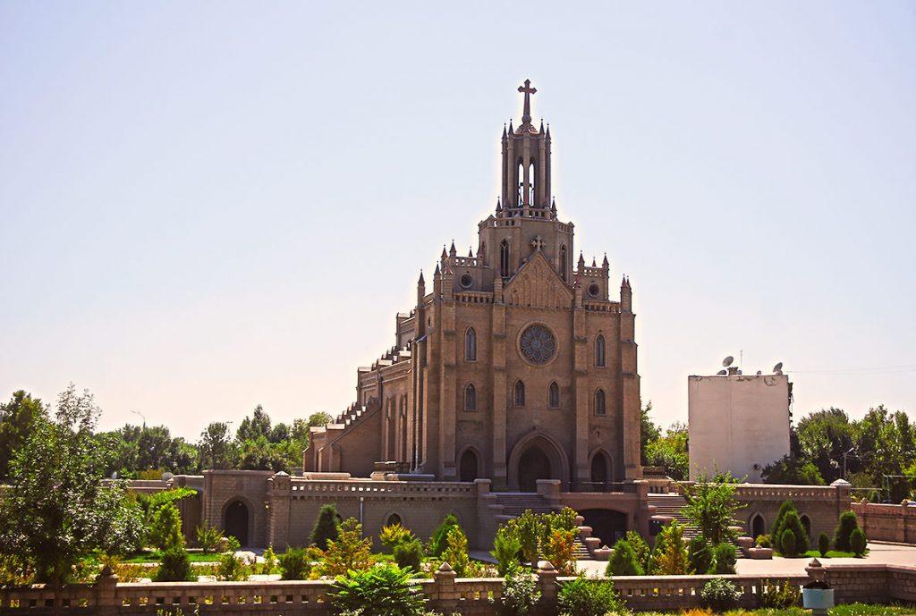 Собор Святейшего Сердца Иисуса Ташкент