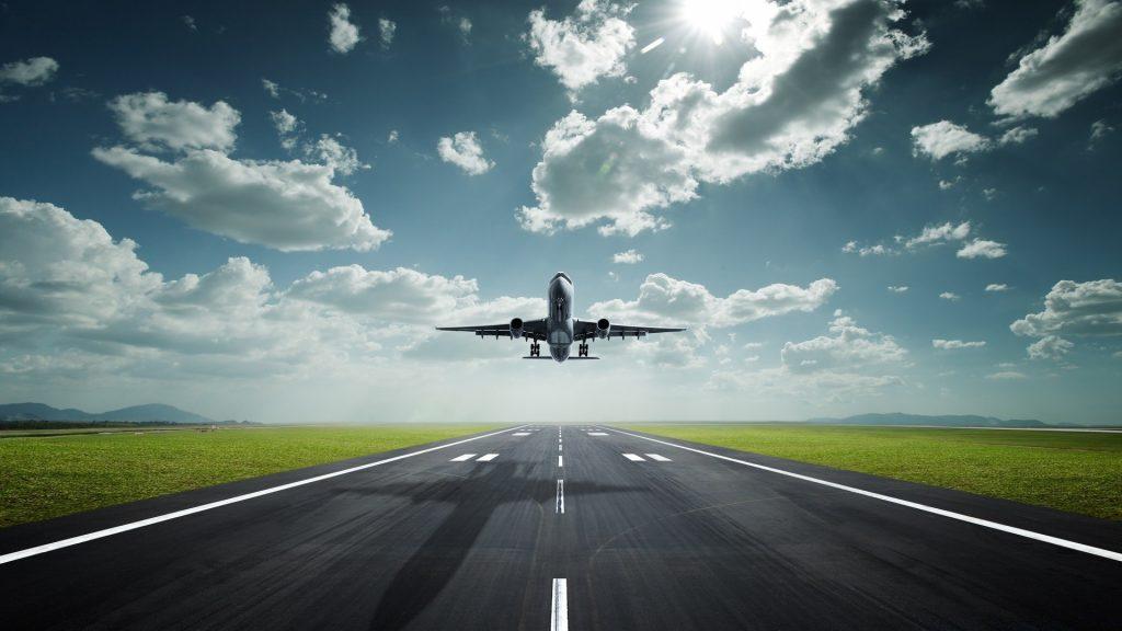 Самолет красивые фото взлетная полоса самокат в багаже