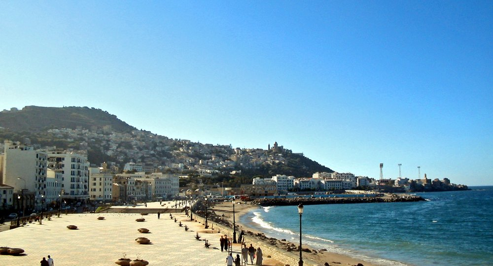 Cheap flights from London to Algiers