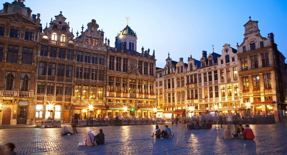 Cheap flights from Kauai Island to Brussels