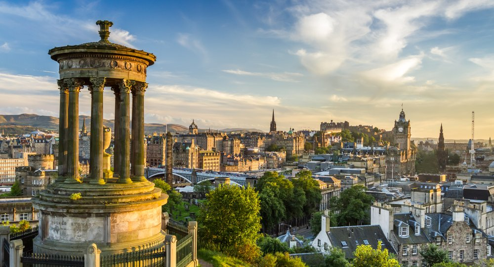 Cheap flights from Fargo to Edinburgh