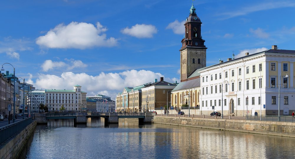 Cheap flights from London to Gothenburg