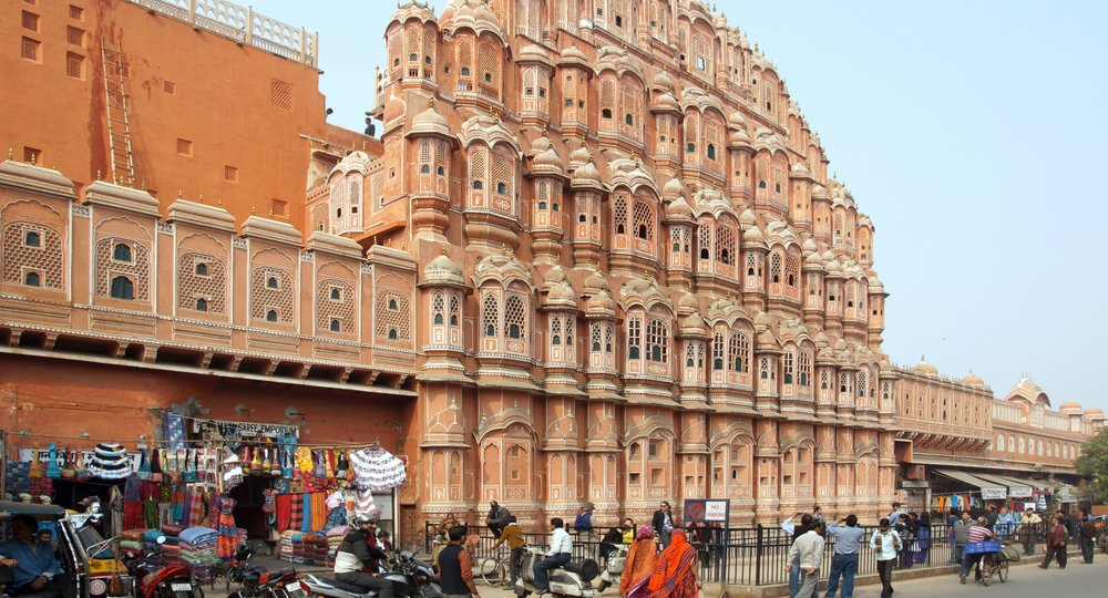 Cheap flights from Mumbai to Jaipur