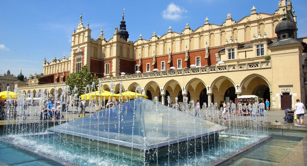 Cheap flights from New York to Krakow