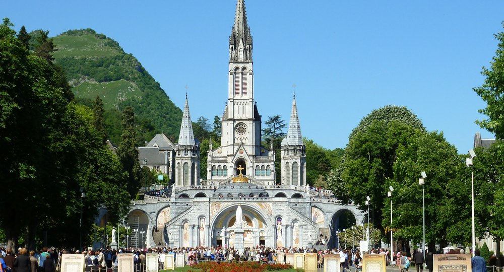 flights to Lourdes