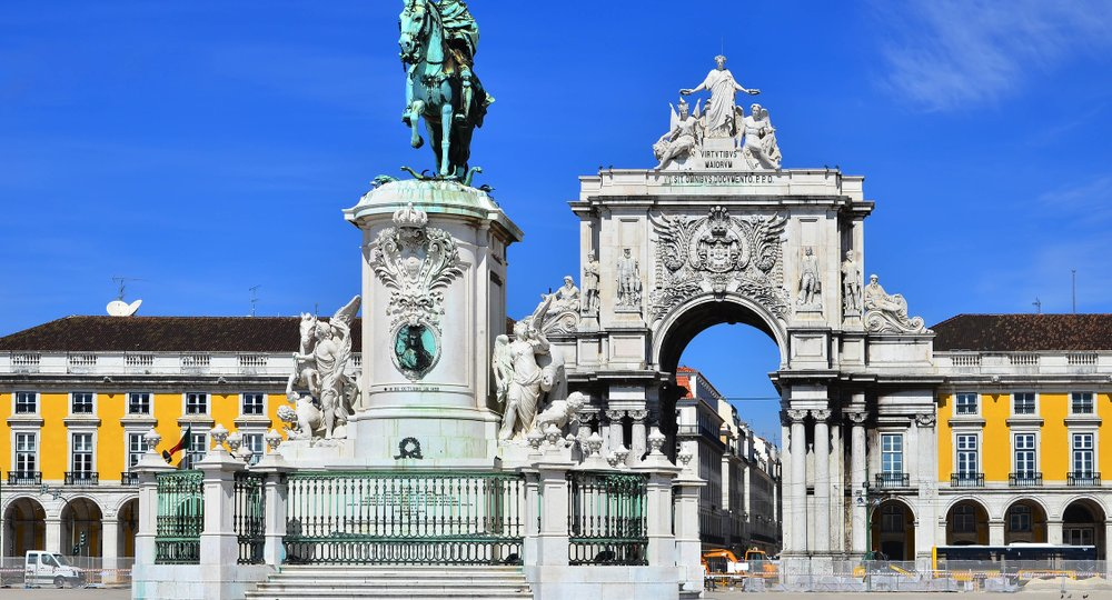 Cheap flights from Edinburgh to Lisbon