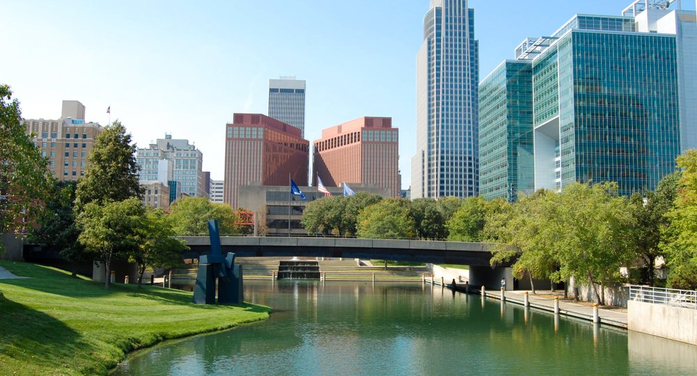 Cheap flights from Barcelona to Omaha