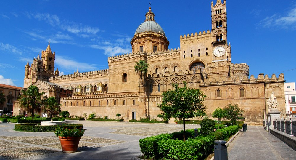 Cheap flights from London to Palermo