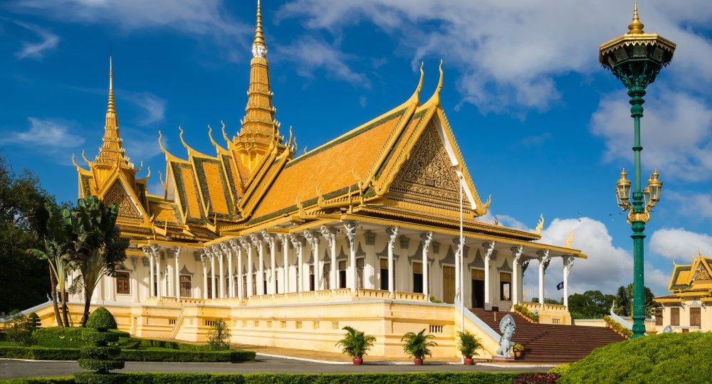Cheap flights from Los Angeles to Phnom Penh