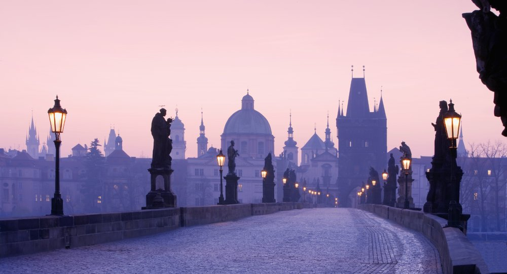 Cheap flights from Edinburgh to Prague