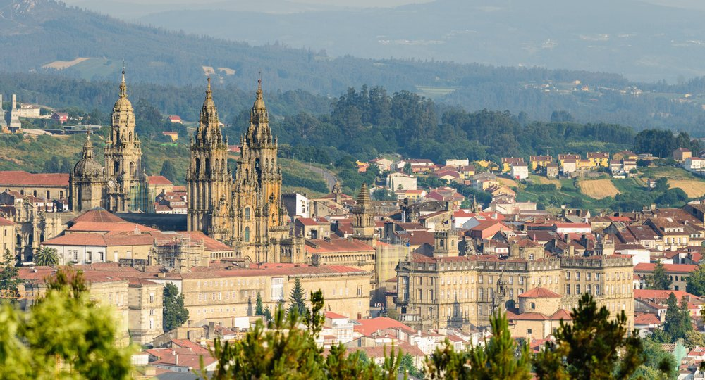 Cheap flights from London to Santiago De Compostela