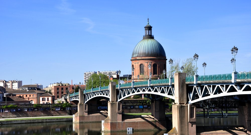 Cheap flights from New York to Toulouse