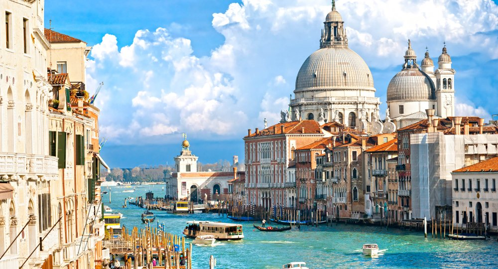 Cheap flights from Manchester to Venice